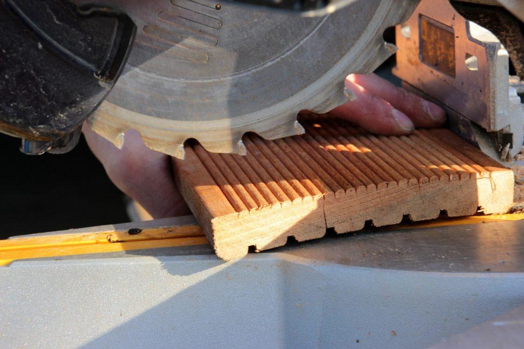 crosscut saw, saw blade, teeth of the saw blade